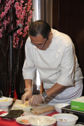 Japanese Master Chef Seiji Kamura at work. Photo by Raff Zulueta for InterAksyon.com.